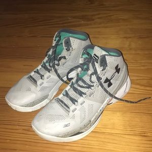 The Storm Curry 2s